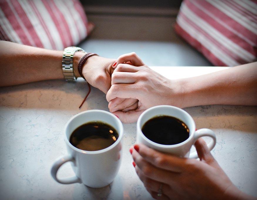 Vertrauen, Zuhören, Einzelstunden, Liebescoach, Partnervermittlung (Foto: https://pixabay.com/de/liebe-coffe-pokal-s%C3%BC%C3%9F-romantik-1536226/)